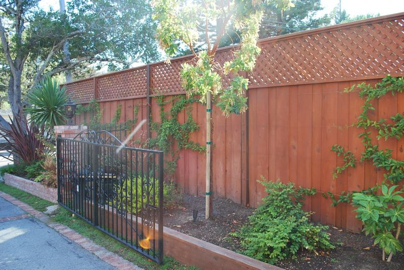 Redwood Fence with Lattice and Planters